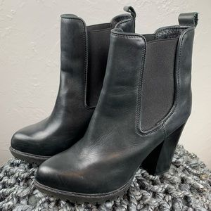 Steve Madden Leather heeled Boots sz 37 or 6.5